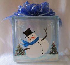 Lighted Snowman on #KraftyBlok #glassblock #glassblockcraft