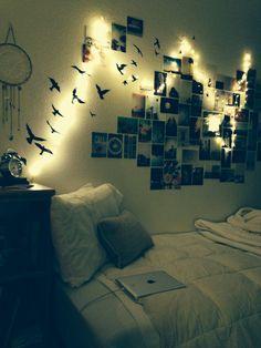 Niet per se de vogels en de dromenvanger, maar de kussens, foto's en lampjes: yes please!