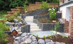 Steintreppe aus Granit-Mosaik, Basalt-Palisaden und Natur Blockstufe