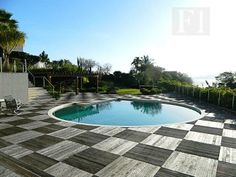 Acesse www.f1ciaimobiliaria.com.br e encontre as melhores opções de imóveis de Florianópolis!