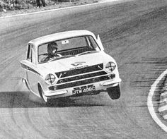 Jim Clark | Lotus Cortina Vintage Sports Cars, Vintage Racing, Vintage Cars, Lotus F1, Classic Race Cars, F1 Drivers, Motor Car, Motor Sport, Chevrolet Logo