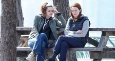 Kristen Stewart & Julianne Moore Share a Moment for 'Still Alice': Photo Kristen Stewart and Julianne Moore sit on a park bench and have a serious conversation while filming a scene for their film Still Alice on Friday afternoon (March… Academy Award Winners, Academy Awards, Still Alice, Kristen Stewart Movies, Julianne Moore, Past Life, Film Stills, New Movies, Cinema