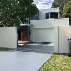 Full Repaint Package, Interior & Exterior House Painting, Fence painting & Driveway - Neilsen's Painting - House Painting Brisbane Fence Painting, House Painting, Brisbane, Interior And Exterior, Garage Doors, Outdoor Decor, Projects, Instagram, Home Decor