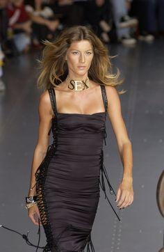 Dolce & Gabbana at Milan Fashion Week Spring 2003 - StyleBistro