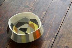 A double-walled bowl by Peter Pincus displays intriguing examples of color, form, and surface techniques. (Photo by Studio KotoKoto)