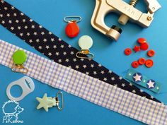 the simplest pacifier clip tutorial in the world - Pikebou - Baby Couture, Couture Sewing, Pacifier Clip Tutorial, Sewing Online, Baby Sewing Projects, Creation Couture, Baby Gifts, Diy And Crafts, Projects To Try