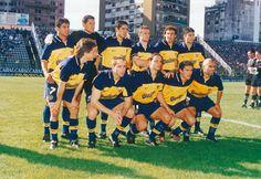 Boca Juniors Campeón del Torneo Apertura 1998.Parados: Ibarra, Córdoba, Riquelme, Arruabarrena, Matellán y Samuel. Hincados: Guillermo Barros Schelotto, Palermo, Fernando Navas, Cagna y Serna.