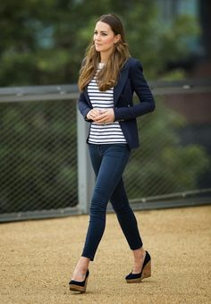 The navy blazer, striped tee, fitted navy jean and wedges- I want to have style like her!