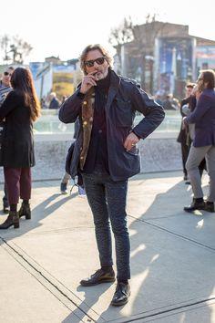 時計スナップ IN PITTI UOMOの画像 | ELEMENTS OF STYLE Gq Style, Style Casual, Men Style Tips, Casual Street Style, Smart Casual Men, Stylish Men, Older Mens Fashion, Greek Men, American Casual