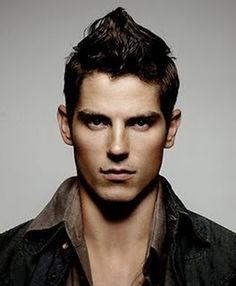 Sean Faris, bow chicka!