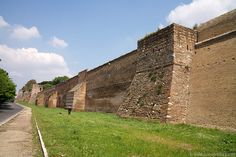 Aurelian Wall, Rome. AD 271-275. The wall has 383 towers, and is 25' high, 11' thick. It runs all the way around Rome, and incorporated monuments into its construction. This was the first wall built in over 500 years. It is 12 miles long. Reflects a need for self defense in the empire.
