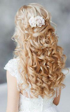 Elstile long wavy wedding hairstyle - Deer Pearl Flowers / http://www.deerpearlflowers.com/wedding-hairstyle-inspiration/elstile-long-wavy-wedding-hairstyle/