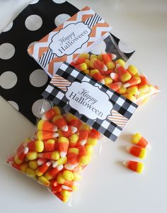 Free Printable Halloween Treat Bag Toppers from printablepartydecor.com