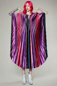 Vintage 70s Metallic Striped Pleated Fan Caftan #70s #fashion #caftan #thriftedandmodern #vintage70s