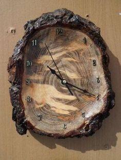 Часы Автор - Аркадий Михайлов Сосновый кап #woodcarving #woodbeecarver #whittling #woodcarving #carving
