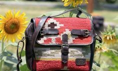 Kilim Messenger bag #kilim #kilimbag #boriyabasta #bohemian #bohochicstyle #springsummer #handwoven #handicraft #ethnic #assymetric #messengerbag #oldschoolgirl