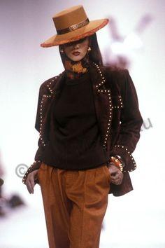 Yves Saint Laurent F/W Iman photo by Guy Marineau. 80s Fashion, Fashion History, Fashion Photo, Fashion Models, Fashion Brands, Fashion Beauty, Vintage Fashion, Womens Fashion, Supermodel Iman