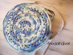 bolso playa crochet Boho Crochet, Crochet Bags, Crystals, Projects, Instagram, Ideas, Crochet Earrings Pattern, Crochet Purses, Strands