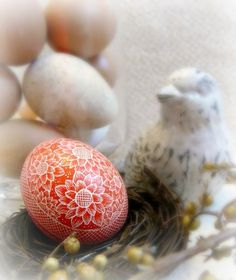 Easter Spring Art - Old Fashioned Rustic Orange Yellow Hand Etched Pysanky Chicken Egg - Sunflowers Chrysanthemums Egg Scratched European Carved Egg Art Free Stand - Decorated Easter Egg