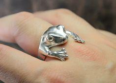Frog Hug Ring