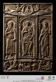 """London, Victoria and Albert Museum, Inv.-Nr. 138-1866 """"Lorscher Evangeliar"""": Marientafel aus Elfenbein (Hofschule Karls d.Gr., um 800)"""