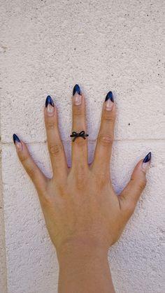 Black Ribbon Midi Ring