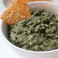 Healthy Holiday: Creamy Low-Calorie Kale Dip