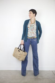6 Moms Share Their Favorite Jeans and How to Wear Them Reachel Bagley of Cardigan Empire looks sweet and comfy in these wide leg jeans.