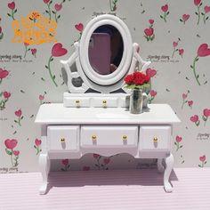 Barato 1:12 casa de bonecas mini móveis de madeira armário do quarto frete grátis, Compro Qualidade Móveis de brinquedo diretamente de fornecedores da China:     Muito delicado Dresser gaveta pode ser aberta.            Tamanho: L10.8 cm W4cm H12.5 cm            Mat