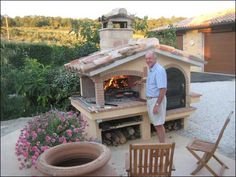 Outdoor Kitchen Ideas - Charming Italian Restored Villa with pool, flower gardens and grape vineyards Diy Grill, Barbecue Grill, Grilling, Wood Grill, Outdoor Oven, Outdoor Cooking, Outdoor Smoker, Outdoor Rooms, Outdoor Gardens