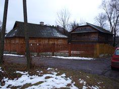 Bilgoraj zagroda mlynarska Cottages, Polish, Cabin, Architecture, House Styles, Home Decor, Arquitetura, Cabins, Vitreous Enamel