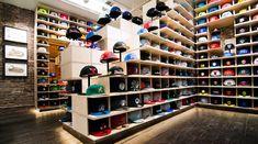 Hat Club Soho (New York) – a tidy modular display. I like the stair-steps…sor… Hat Club Soho (New York) – a tidy modular display. I like the stair-steps…sort of like one of those Japanese storage staircases. Hat Club Soho (New York) – a tidy modular. Design Café, Store Design, Design Shop, Brand Design, Shop Interior Design, Retail Design, Baseball Hat Display, Baseball Cap, Visual Merchandising