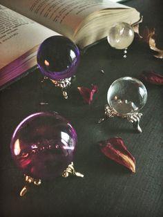 Purple Witch sphère sphère de cristal boule par MoonMagickSisters