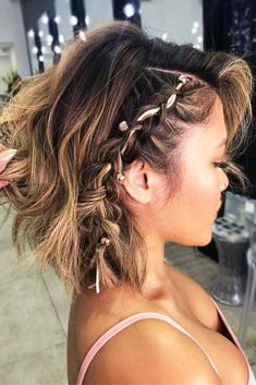 Easy Summer Hairstyles To Do Yourself Discover trendy easy summer hairstyles 2018 here. We have pretty ideas for long, short, and for medium hair.Discover trendy easy summer hairstyles 2018 here. We have pretty ideas for long, short, and for medium hair. Medium Hair Braids, Braids For Short Hair, Medium Hair Styles, Natural Hair Styles, Short Hair Styles, Curly Hair, Easy Summer Hairstyles, Cute Braided Hairstyles, Easy Hairstyles