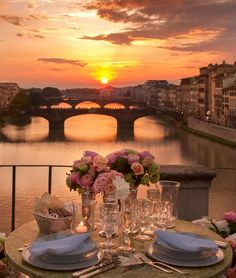 Dinner at dusk in Florence, Italy. You can't get any more romantic than this.