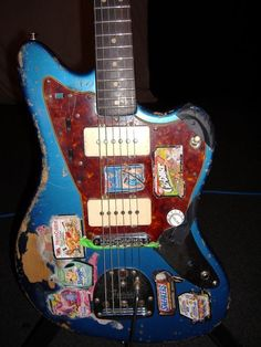 """Sonic Youth Blue Fender Jazzmaster """"Bow down to the queen of noise"""" Jazz Guitar, Music Guitar, Cool Guitar, Playing Guitar, Ukulele, Fender Telecaster, Gretsch, Gibson Les Paul, Punk"""