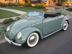This is the official picture of the bug I want. Husband says he will buy me the car of my dreams when I turn think he needs to make his move a couple years earlier! My Dream Car, Dream Cars, Vw Bus, Vw Camper, Vw Beetle Convertible, Vw Cabrio, T2 T3, Vw Vintage, Combi Vw