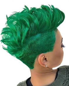 this is one of our favorites. This green is crazy hot! You totally murdered this look! Short Sassy Hair, Short Hair Cuts, Short Hair Syles, Quick Weave Hairstyles, Hair Shows, Cool Hair Color, Hair Colors, Cute Hairstyles For Short Hair, Love Hair