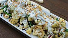 cauliflower salad - بحث Google لمقادير: رأس زهرة بيضاء مفصولة الى زهرات صغيرة قليل من الفاصوليا الخضراء 1 كوب خس مفروم نصف كوب حمص مسلوق نصف كوب بقدونس نصف كوب نعناع 1 فص ثوم 2 ملعقة كبيرة طحينة 2 ملعقة كبيرة خل الرز أو خل التفاح 2 ملعقة كبيرة ليمون ملعقة صغيرة كمون زيت سمسم خام ملعقة ( اختياري ) ملح البحر رشة خفيفة ( أختياري ) ـــــــــــــــــــــــــــــــــــــــــــــ طريقة التحضير: في ماء مغلي نسلق حبات الزهرة لمدة دقيقة ثم نضعها جانبا حتى تبرد. https://www.facebook.com/أ