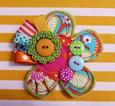 medalhao -botoes e crochet