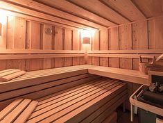 Alpen Luxus Chalet mit Wellness & Pool | Schmiedalm Finnish Sauna, Outdoor Pool, Outdoor Decor, Deep Winter, Wellness Spa, Heated Pool, Luxury Holidays, Spa Treatments, Private Pool