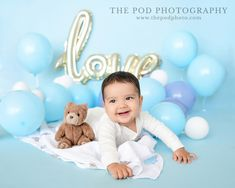 Balloon Love Baby Boy Photoshoot Birthday Cake Smash, First Birthday Cakes, Photography Photos, Newborn Photography, Baby Boy Balloons, Cake Smash Pictures, Baby Portraits, Family First, Baby Month By Month