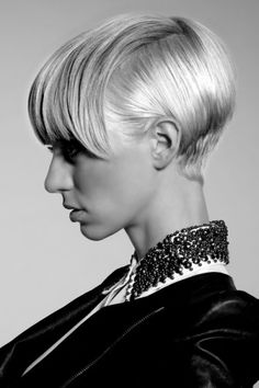 Androge: Cosmetologists Chicago - My list of women's hair styles Great Hairstyles, Short Hairstyles For Women, Messy Hairstyles, Blonde Pixie, Short Hair Cuts, Short Hair Styles, Pixie Cuts, Hair Photo, Love Hair