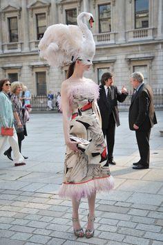 Giles Deacon Dresses | Giles_Deacon_Swan_dress.jpg
