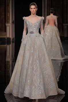 MaySociety — Ziad Nakad Haute Couture Spring Summer 2017 - Julia Home Haute Couture Gowns, Haute Couture Fashion, Couture Dresses, Bridal Dresses, Prom Dresses, Vestidos Fashion, Fashion Dresses, White Wedding Gowns, Christian Lacroix