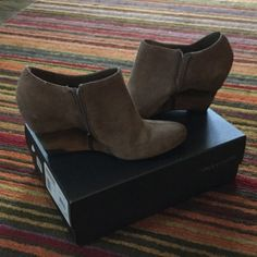 """Vince Camuto """"Hamil"""" suede taupe booties Sz 10 Worn maybe once, taupe color Vince Camuto Shoes Ankle Boots & Booties"""