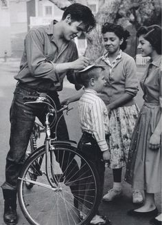 moda-hombre-no-todo-es-gris-bicycle-urban-20