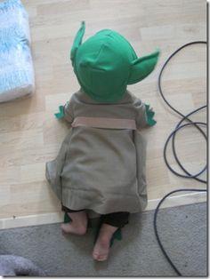 Handmade Dress Up Series: DIY Baby Yoda Costume Tutorial