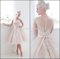 Imagem de http://i01.i.aliimg.com/wsphoto/v0/32214585105_1/Vestido-Noiva-Casamento-2015-New-Arrival-Vintage-Wedding-Dress-Short-Bridal-Gowns-Knee-Length-Vestidos-De.jpg.