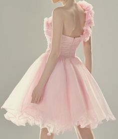 This dress captures so much elegance.